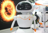 瑞士网购消费者增多 邮政已布局机器人送件
