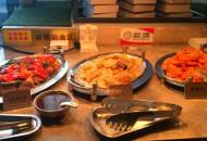 网红外卖平台用菜肴包惹争议消费者权益遭挑战