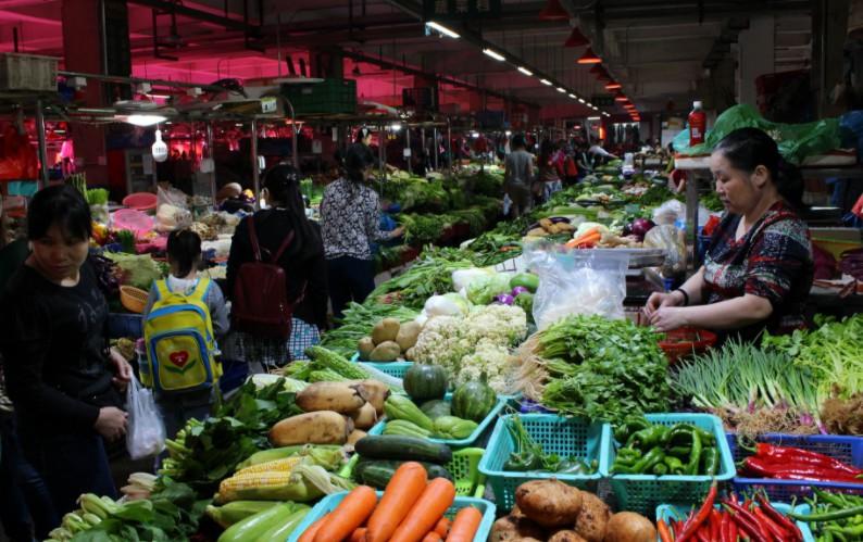 生鲜电商如火如荼攻城掠地,菜市场为何成为了被人遗忘的战场?_B2B_电商报
