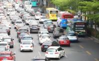 成都一网约车司机身背28条违法信息 被交警传唤处理