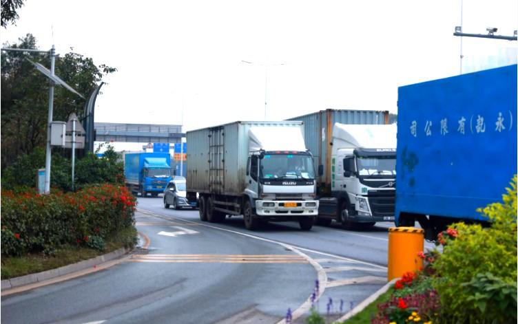 交通运输部吴春耕:2019年将着力提高综合交通运输网络效率