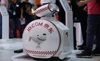 物流机器人市场爆发 打响万亿版图战