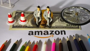 今日盘点:亚马逊股价八连跌 贝佐?#32929;?#20215;今年降150亿美元