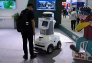 包裹柜制造商Cleveron推出全球首款食品杂货机器人