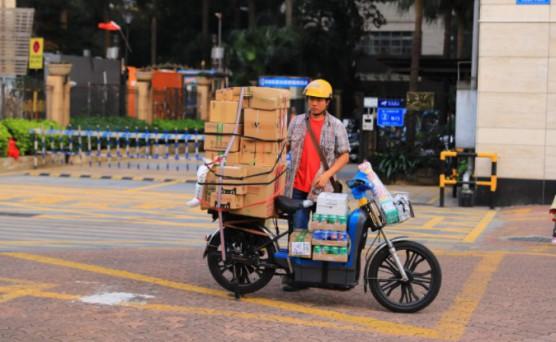 各家快递加强配送储备  已临时补充40万工作人员