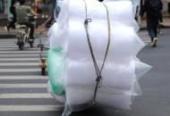 新版限塑令到来:外卖行业不能随便用塑料袋