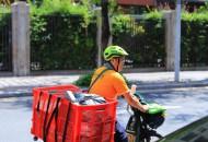 北京:戴头盔纳入快递行业规范