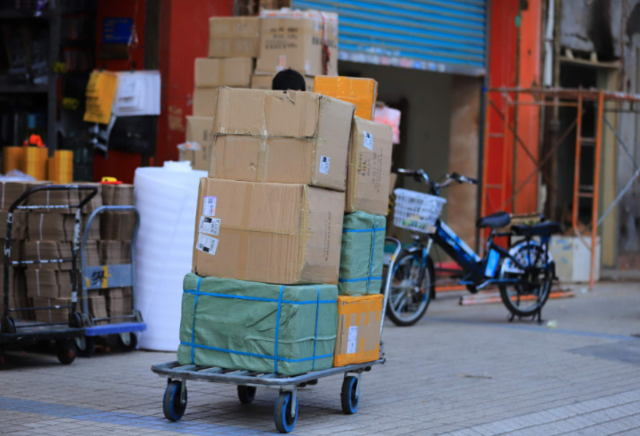 法国邮政联合VIR推出大件重货自提点服务